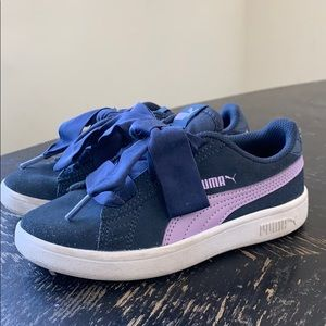 Puma Suede Kids w. oversized bow laces